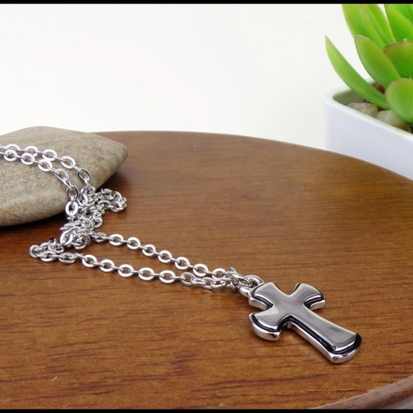 Harriet Ave Jewels Jewelry - NEW!🔥 Cross Charm Silver Tone Necklace